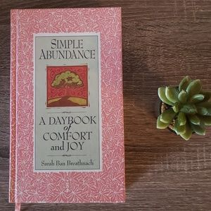 Simple Abundance: A Day Book of Comfort & Joy